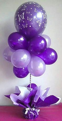 Pretty balloon centerpiece in different shades of purple. No helium needed. - Balloon Decorations 🎈 Pretty balloon centerpiece in different shades of purple. No helium needed. Purple Love, All Things Purple, Purple Rain, Shades Of Purple, Purple Stuff, Ballons Violets, Birthday Balloons, Birthday Parties, Birthday Celebrations