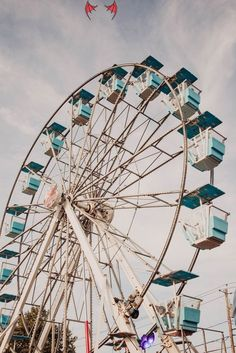 Love the ferris wheel at the carnival<br> Aesthetic Images, Aesthetic Collage, Aesthetic Photo, Photography Aesthetic, Aesthetic Grunge, Aesthetic Vintage, Aesthetic Anime, Hipster Photography, Photography Collage