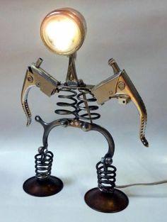 lampada da tavolo con pezzi di vecchia bicic - vintage old bike parts lamp