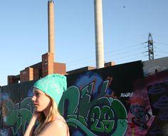 Robin chillaa with Anu... Ja Robin chillaa with YOU, kun tilaat ikiomaksi kustomoidun pipon osoitteesta www.mewe.fi.