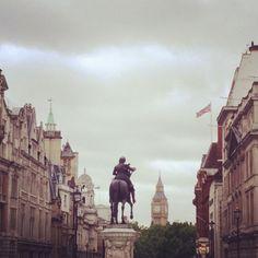 Grey clouds gather over Kensington Gardens, #London 17°C I 63°F #BurberryWeather