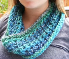 Ravelry: Project Gallery for Morning Light Cowl For the Loom pattern by Jennie Renee