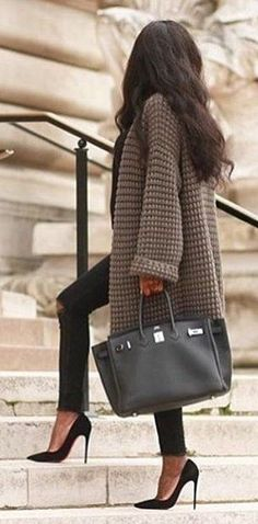#fall #outfits ·  Grey Coat // Black Leather Tote // Pumps // Skinny Jeans