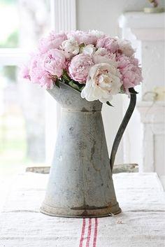 pretty rustic flower display