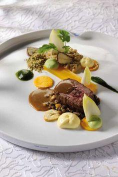 Fish Recipes, Meat Recipes, Cooking Recipes, Michelin Star Food, Modern Food, Xmas Food, Food Decoration, Food Presentation, Food Plating