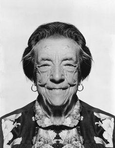 Louise Bourgeois es una de las artistas clave que definió la transición artística entre la modernidad y la contemporaneidad.