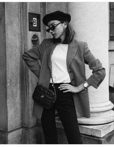 Very Light and Fresh Look. 27 Adorable Street Style Looks To Copy Right Now – Casual Fall Fashion Style. Very Light and Fresh Look. 80s Fashion, Look Fashion, Winter Fashion, Fashion Outfits, Womens Fashion, Fashion Trends, Office Fashion, Unique Fashion, Catwalk Fashion