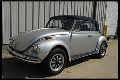 1971 Volkswagen Super Beetle Convertible 1600 CC, 4-Speed for sale by Mecum Auction
