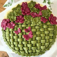 Never runnin out of options!🍏👑 oh and it's a new moon! The old one can kiss my sweet 🍑! Sweet Pie, Sweet Tarts, Beautiful Pie Crusts, Pie Crust Designs, Pie Decoration, Pies Art, Pie In The Sky, Pie Tops, Pastry Art