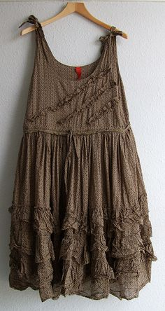 Boho Type Lotsa flow, frill, and lovely laid-back brown Funky Outfits, Boho Outfits, Cute Outfits, Fashion Outfits, Bohemian Style, Boho Chic, Shabby Chic, Mori Fashion, Paisley