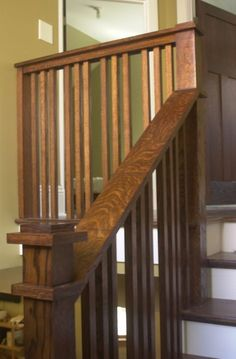 modern shapes/edges with traditional wood style hand rails Craftsman Furniture, Craftsman Interior, Craftsman Style Homes, Cottage Style Homes, Craftsman Bungalows, Craftsman Houses, Interior Stair Railing, Staircase Railings, Stairways