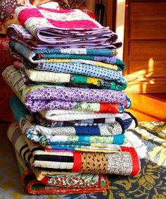 Quilts are amazing. via annamariahorner.blogspot.com