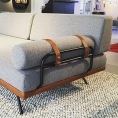 Vi faldt for denne sofa/daybed hos @sofakompagniet som nu åbner showroom på Strandlodsvej i København. Der er også showroom på vej i Århus. Hvilken sofa står på jeres ønskeliste?
