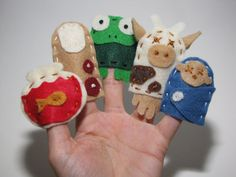 10 plague finger puppets for passover