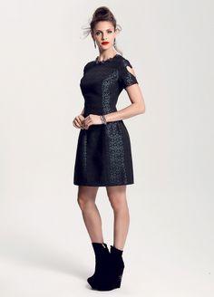 JUS DE POMMES Elbise Markafoni'de 160,00 TL yerine 89,99 TL! Satın almak için: http://www.markafoni.com/product/5909547/  #elbise #moda #dress #girl #fashion #red #black