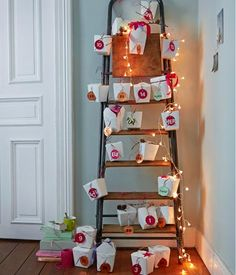 Recycle your old Chinese takeaway boxes and use them as advent calendar Christmas Calendar, Christmas Countdown, Christmas Photos, Christmas Holidays, Christmas Crafts, Christmas Decorations, Xmas, Holiday Decor, Cool Advent Calendars