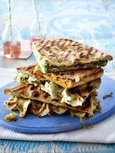 Unser beliebtes Rezept für Gegrillte Pide-Sandwiches und mehr als 55.000 weitere kostenlose Rezepte auf LECKER.de.