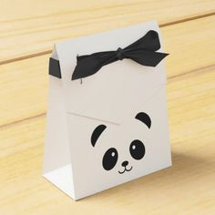 Cute and Cuddly Panda Favor box - simple clear clean design style unique diy Panda Themed Party, Panda Birthday Party, Panda Party, 1st Birthday Girls, Birthday Gifts, Diy Birthday, Birthday Party Decorations, Baby Shower Decorations, Party Themes