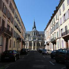 Rue MagentaCe lotissement, destiné à la moyenne bourgeoisie, est construit en 1858-1859. Il fait partie de la structuration d'un quartier qui voit la construction de l'église Saint-Etienne, la couverture du fossé de la Sinne (