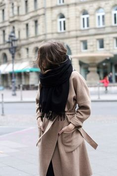 Outfits and Looks, Ideas & Inspiration camel coat - Go to Source - Looks Style, Looks Cool, Style Me, Coat Outfit, Look Blazer, Looks Black, Winter Stil, Winter Mode, Inspiration Mode