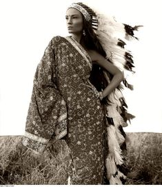 Model Laura Kirkpatrick as a greek goddess / goddesses / models / antm America's Next Top Model photoshoot LOVE THIS POSE!