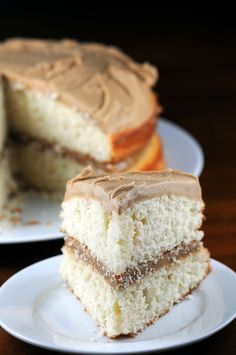 Not a cake fan, but if if I eat cake. Rustic is the new Crappy - vanilla bean and caramel cake Frosting Recipes, Cupcake Recipes, Cupcake Cakes, Dessert Recipes, Cupcakes, Muffins, Just Desserts, Delicious Desserts, Vanilla Bean Cakes
