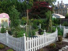 potager garden - love the white picket fence surrounding the garden area Potager Garden, Garden Shrubs, Garden Fencing, Garden Paths, Herb Garden, Home And Garden, Raised Bed Fencing, Raised Garden Beds, Raised Beds