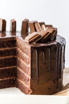 Drip cake schokoladentorte mit richtig viel schokolade the best vegan chocolate cake Pear And Almond Cake, Hazelnut Cake, Almond Cakes, Drip Cakes, Chocolate Desserts, Chocolate Cake, Chocolate Drip, Cake Recipes, Snack Recipes