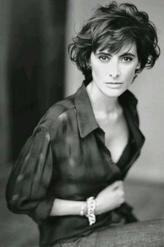 Ines de La Fressange. this haircut tho... so tempted