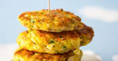 Recepty: V troubě pečené rybí karbanátky Salmon Burgers, Mashed Potatoes, Cauliflower, Fish, Vegetables, Ethnic Recipes, Fine Dining, Salmon Patties, Cauliflowers