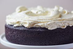 Beer- and chocolate-lovers — this one is for you! Dark chocolate Guinness cake with cream cheese frosting Baking Recipes, Cake Recipes, Dessert Recipes, Dessert Ideas, Sweet Recipes, Baking Hacks, Loaf Recipes, Irish Recipes, Frosting Recipes