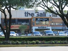 What would a board on Houston, TX be if it didn't include a Galleria mall pin?  There's a lot to love about Houston's Galleria area including the Galleria mall!