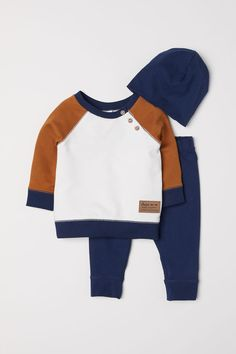 Trendy baby outfits for boys h&m Ideas Baby Outfits, Little Boy Outfits, Toddler Outfits, Kids Outfits, Cute Outfits, Fashion Kids, Toddler Boy Fashion, Toddler Boys, Fashion Games