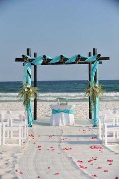 Beach Wedding Decor and Decorations : Gulf Shores Weddings on the Beach : BigDayWeddings.net #Wedding