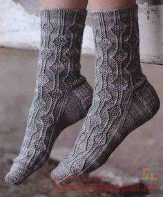 Вязаные носки Crochet Socks, Knitting Socks, Knitting Stitches, Free Knitting, Knitting Patterns, Knit Crochet, Fluffy Socks, Stitch Patterns, Sewing