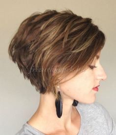 Love Bob hairstyles for women? wanna give your hair a new look? Bob hairstyles for women is a good choice for you. Here you will find some super sexy Bob hairstyles for women, Find the best one for you, Girls Short Haircuts, Short Bob Hairstyles, Medium Hairstyles, Sassy Haircuts, Wedge Hairstyles, Hairstyles Haircuts, Hairstyle Short, Layered Haircuts, Short Stacked Haircuts