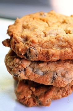 Chocolate Chip Peanut Butter Oatmeal Cookies | addapinch.com