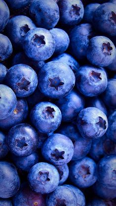 wallpaper, berries, and blueberry image - Food. Phone Backgrounds, Wallpaper Backgrounds, Iphone Wallpaper, Screen Wallpaper, Food Wallpaper, Wallpaper For Your Phone, Wallpaper Ideas, Amazing Wallpaper, Apple Wallpaper