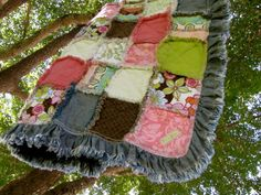 Ruffly edges on rag quilt