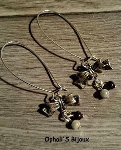 boucles d'oreilles dormeuses argentées °jolie libellule sur pois gris° : Boucles d'oreille par opholi-s-bijoux