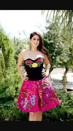 Dama dress, not my pic. Dama Dresses, Quince Dresses, Quinceanera Dresses, 15 Dresses, Quinceanera Ideas, Mexican Fashion, Mexican Outfit, Mexican Dresses, Mexican Style