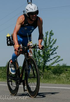 Triatlon IronMan  Nos inspira!  #hitachiaircon  http://hitachiaircon.es