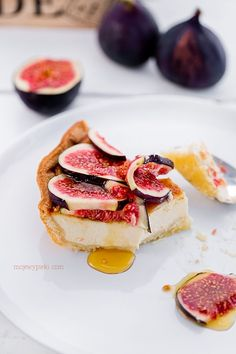 fig mascarpone and whipped cream tart with maple syrup