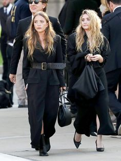Mary Kate and Ashley Olsen The Row Ashley Olsen Style, Olsen Twins Style, The Row Bag, Romper With Skirt, Business Outfit, Mode Hijab, Fashion Line, Cute Summer Outfits, Trends