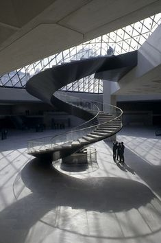 Staircase Railings, Curved Staircase, Grand Staircase, Modern Staircase, Stairways, Stairs Architecture, Futuristic Architecture, Amazing Architecture, Architecture Details