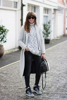 EJSTYLE - Dorothy Perkins Long grey coat, Givenchy 3 tone mini lucrezia, wedge nike sneakers trainers, Acid wash black jeans asos, Zara grey chunky sweater jumper, Winter OOTD, london street style