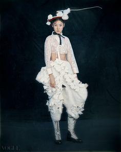 單眼皮之美:韓國版《VOGUE》揭露最新時尚長相,就是不動刀的自然臉孔 - The Femin