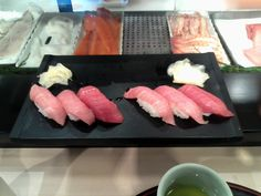 Tsukiji fish market, Tokyo 7.30 a.m. Shin chan & me. Maybe I ate 12 pieces! Not very Japanese!! I just could not stop, real sushi in Tokyo Japan. xx