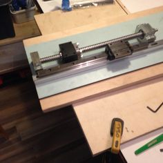 The z-screw and the test- mount plate for my CNC machine. Lay up .... Using proxxon and My Makita screwdriver.