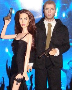and Mrs Smith Brad and angelina i made Celebrity Barbie Dolls, Barbie Model, Brad And Angelina, Angelina Jolie, Doll Repaint Tutorial, Beautiful Barbie Dolls, Barbie Fashionista, Famous Movies, Celebs